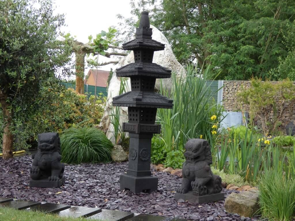 Lavastein Figur Kaiserpagoda