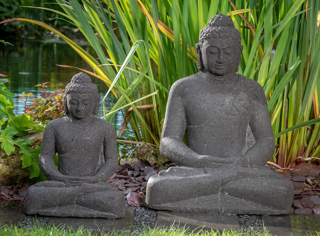 Indischer Buddha aus Lavastein