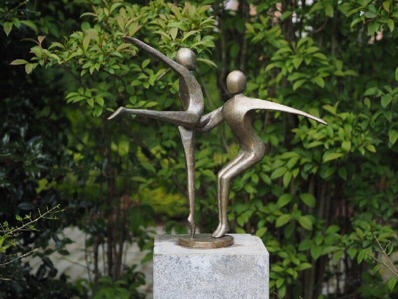 Moderne Figuren Tanzendes Paar